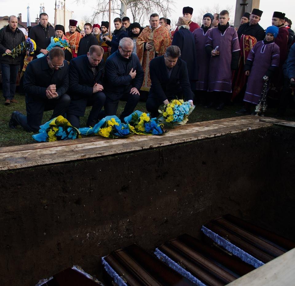 На Тернопільщині перепоховали жертв «Ягільницької трагедії» (фоторепортаж) , фото-1