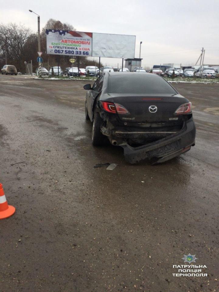"""У Тернополі п'яний водій """"ВАЗу"""" виїхав на зустрічну і """"врізався"""" в """"Мазду"""" (ФОТО), фото-2"""