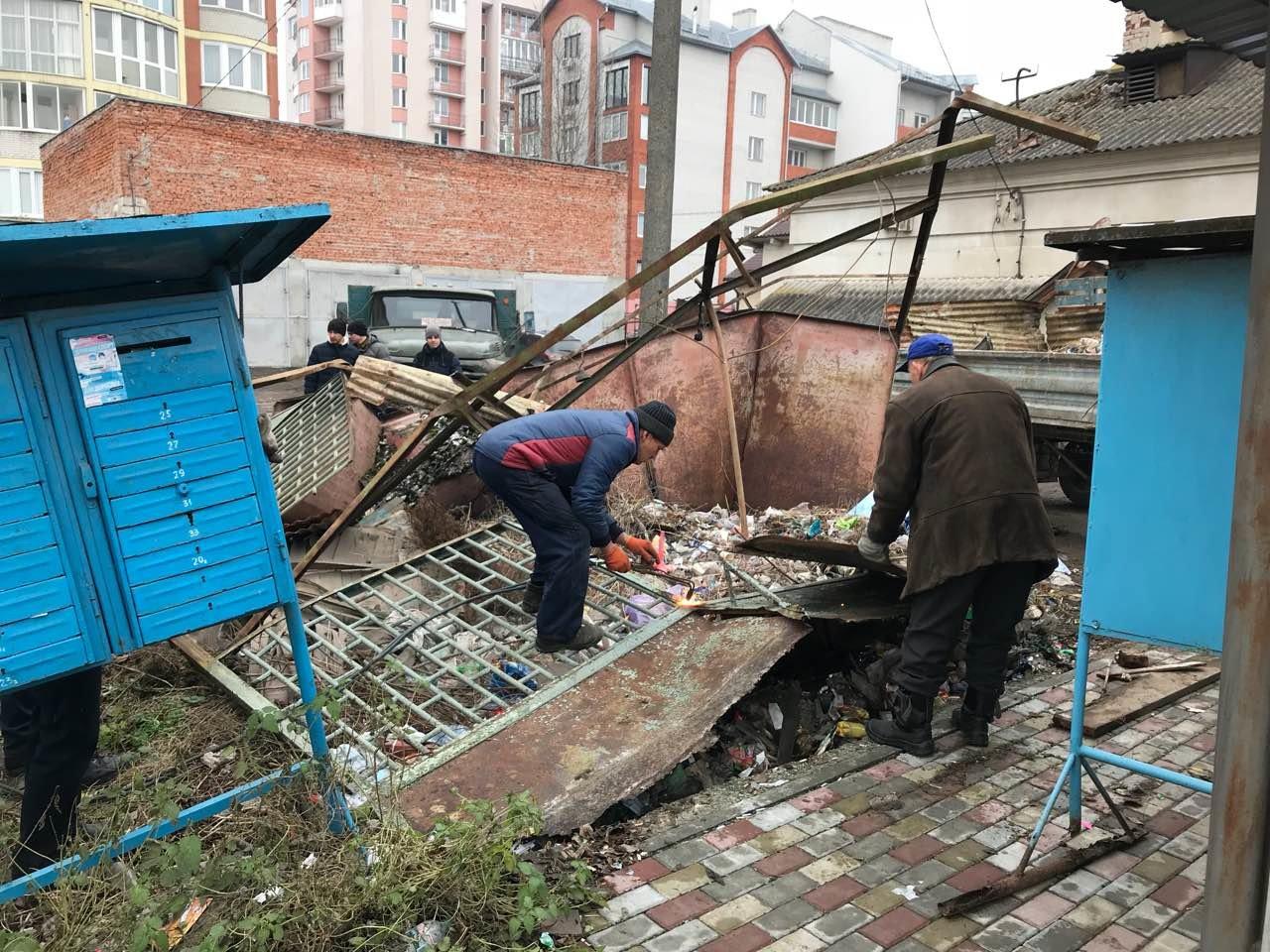 У Тернополі демонтували ще один незаконний МАФ (ФОТО), фото-1