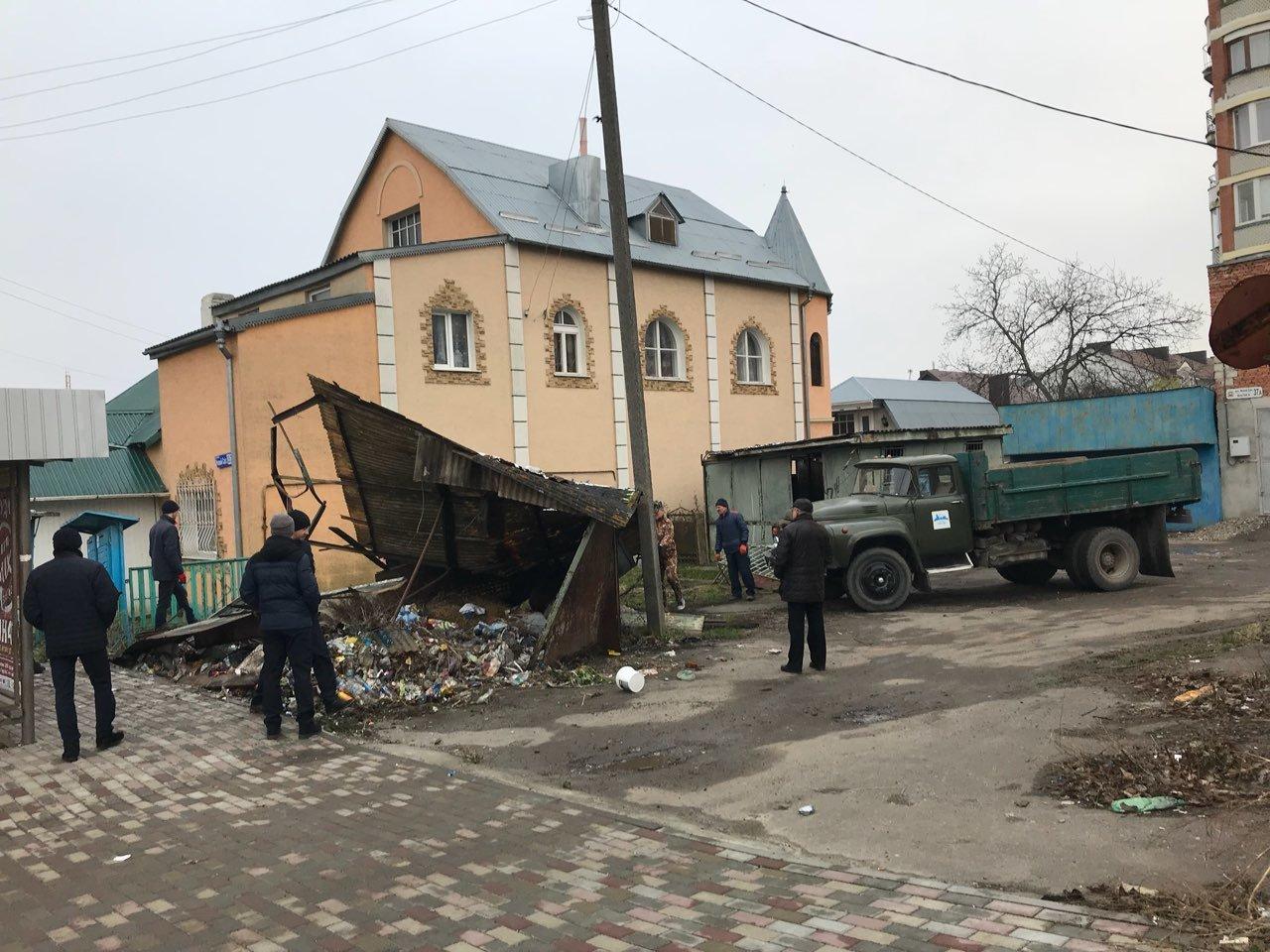 У Тернополі демонтували ще один незаконний МАФ (ФОТО), фото-4