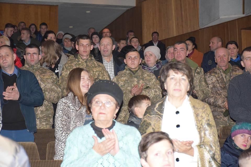 У Тернополі відбувся перший телевізійний патріотичний фестиваль «Земля героїв України» (фото), фото-1
