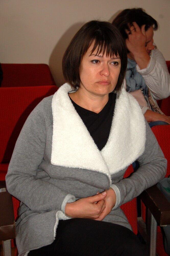 Вдову загиблого в ДТП адвокати обвинуваченого довели до сліз просто на суді, фото-1