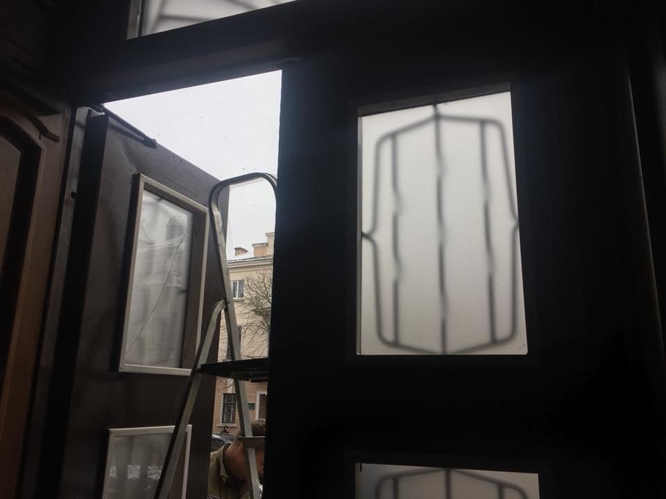 Чиновники міськради Тернополя звикатимуть до ґрат (фото), фото-1
