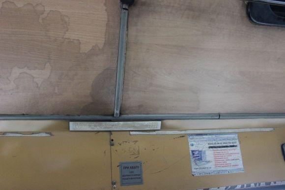 У тернопільській маршрутці № 22 пасажирам капає на голови вода (ФОТО), фото-1