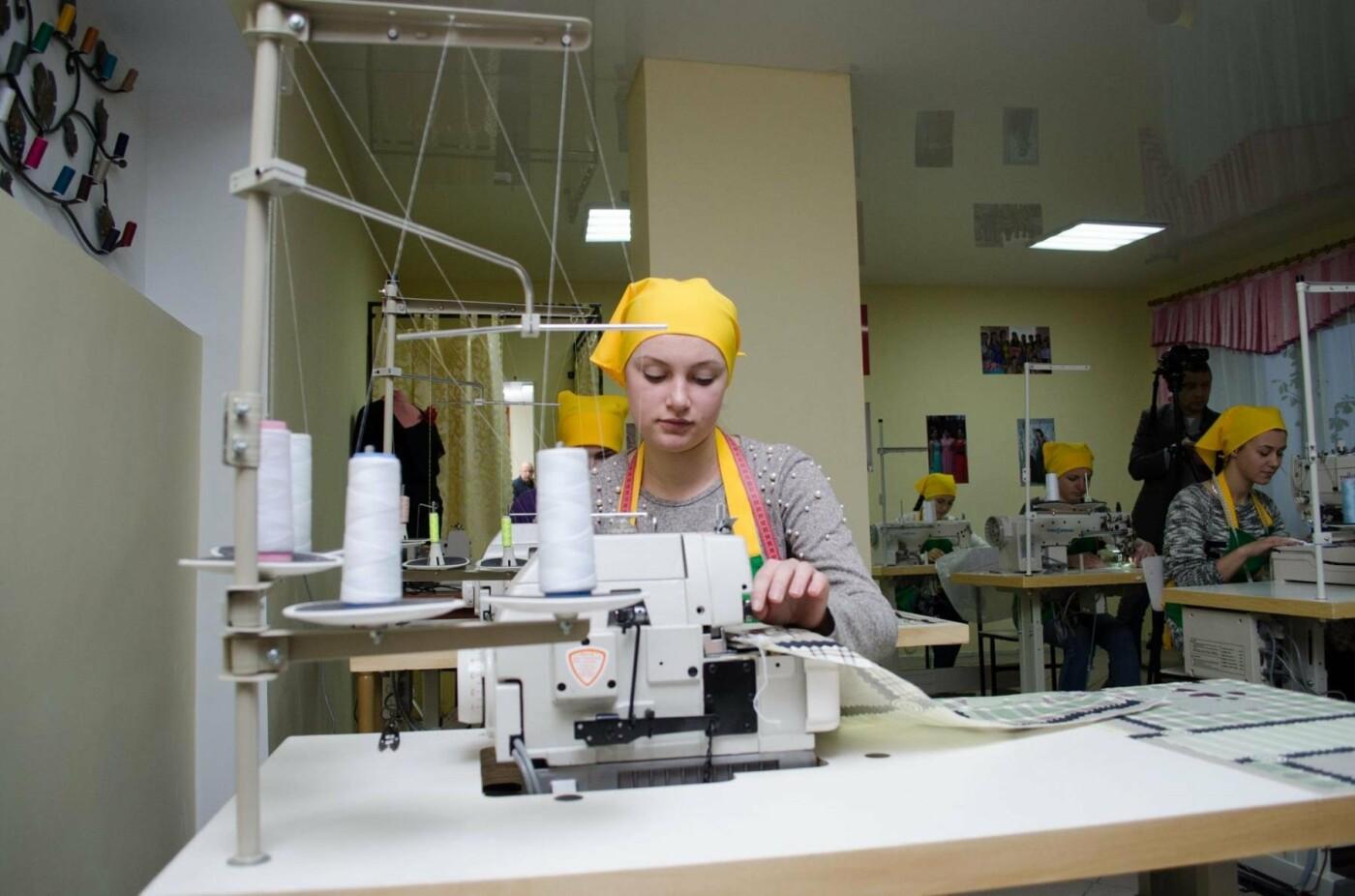 На базі Кременецького ліцею відкрили сучасну лабораторію для швачок (фото), фото-4