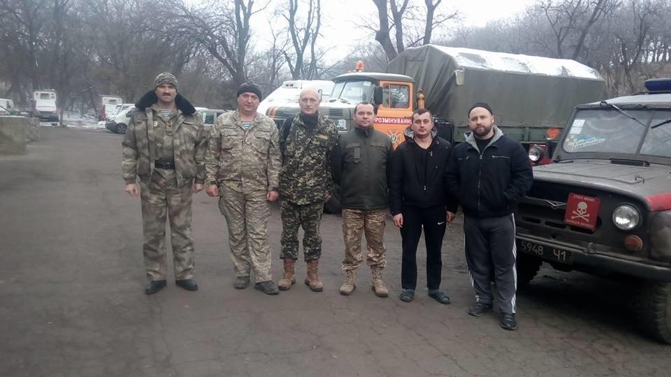 Тернопільські козаки відправили на фронт 5 тонн гуманітарної допомоги та автомобіль (ФОТО), фото-1