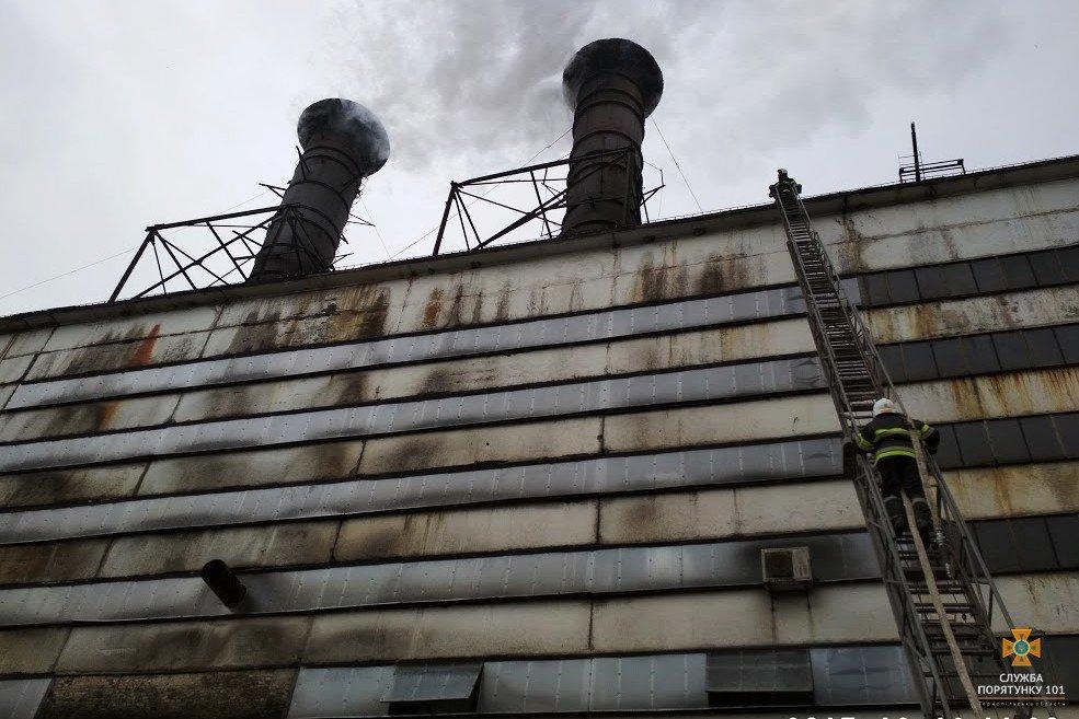 На Тернопільщині сталася пожежа на цукровому заводі (фото), фото-3