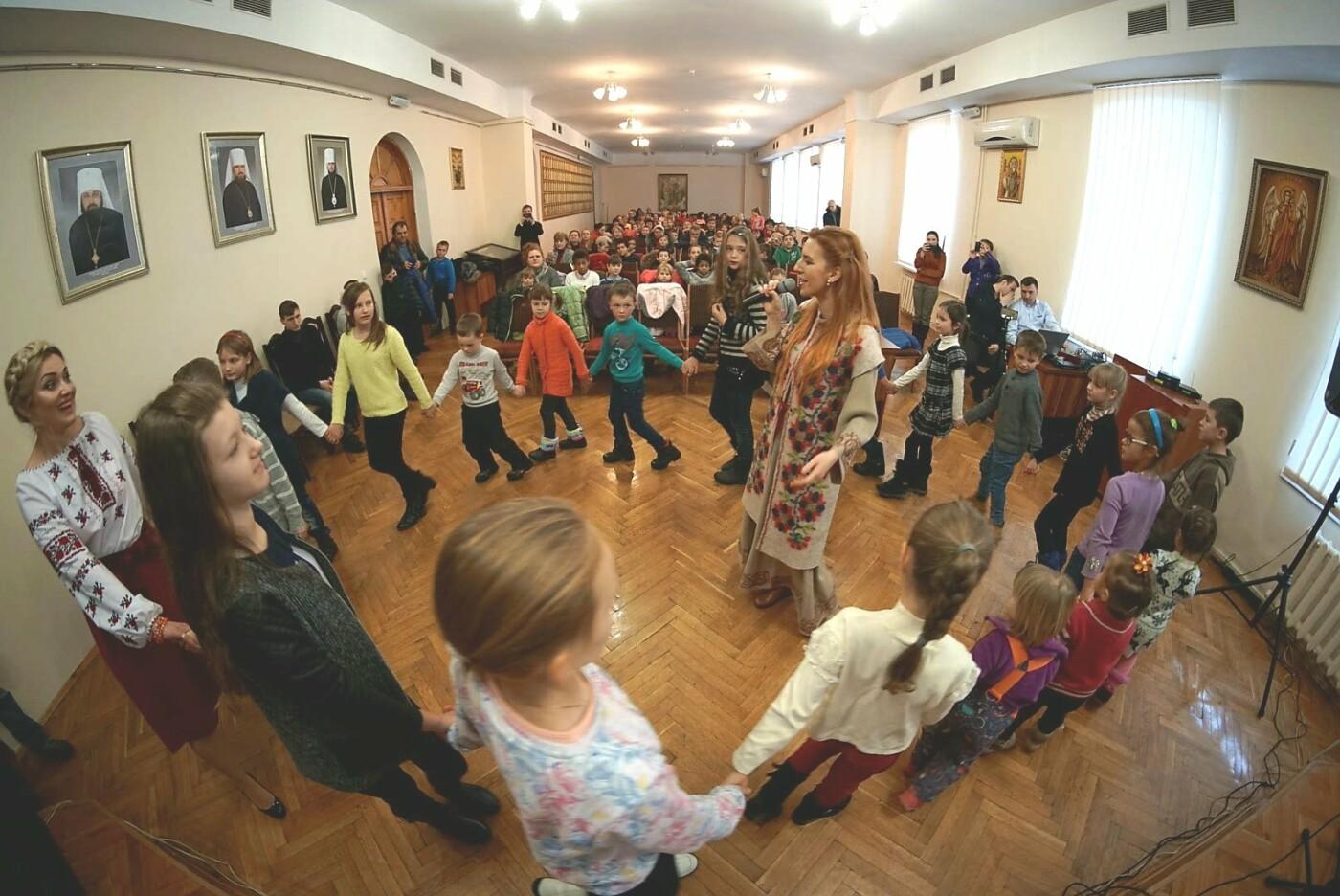«АТБ» виступив у ролі Святого Миколая для тисяч українських дітей, фото-7