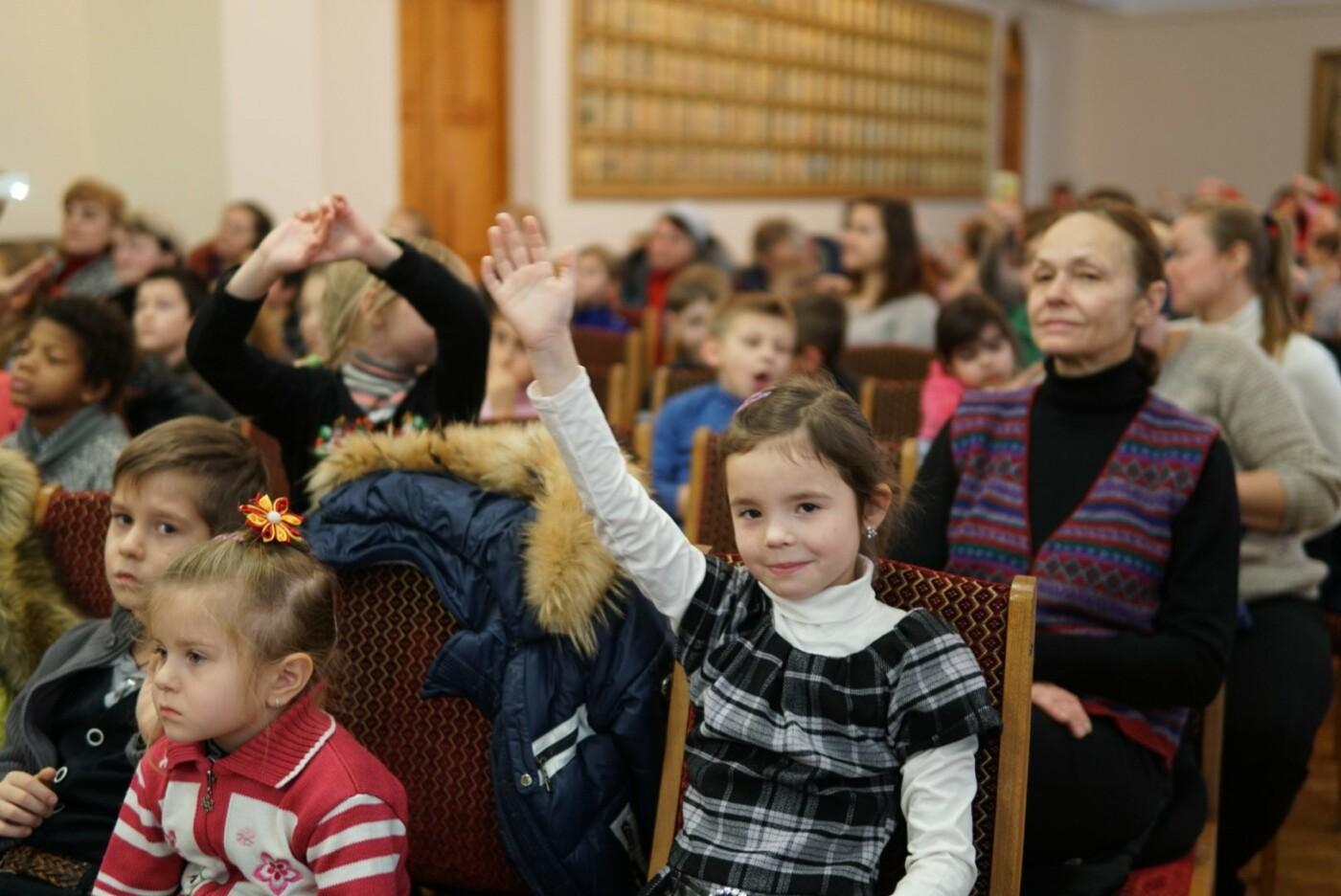 «АТБ» виступив у ролі Святого Миколая для тисяч українських дітей, фото-6