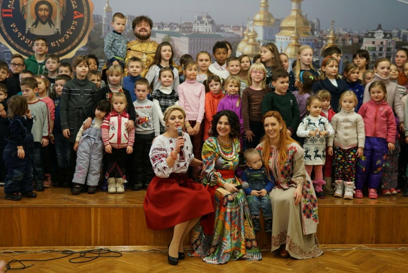«АТБ» виступив у ролі Святого Миколая для тисяч українських дітей, фото-2