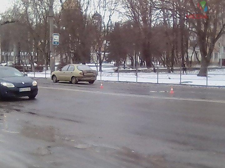 У Тернополі маршрутка в'їхала в автівку (фото), фото-3