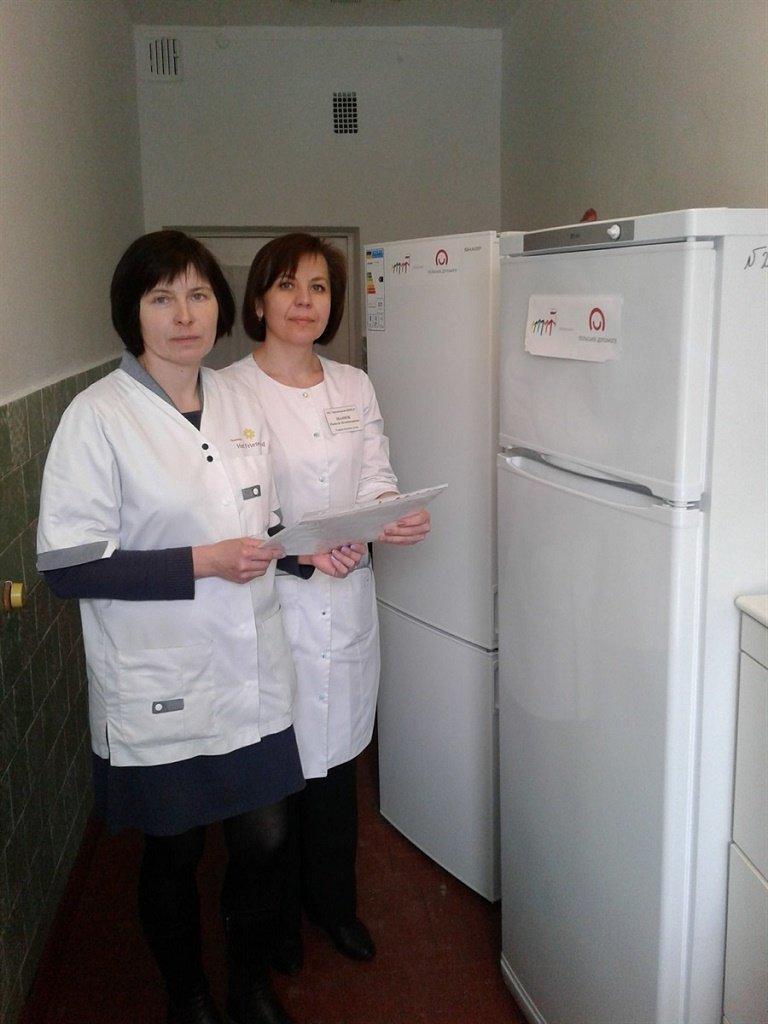 Лікарські амбулаторії на Тернопільщині отримали необхідне обладнання для зберігання вакцини (фото), фото-1