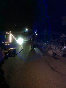 В результаті ДТП у Тернополі зіткнулись 5 авто, а бензовоз в'їхав у стовп (фото), фото-3