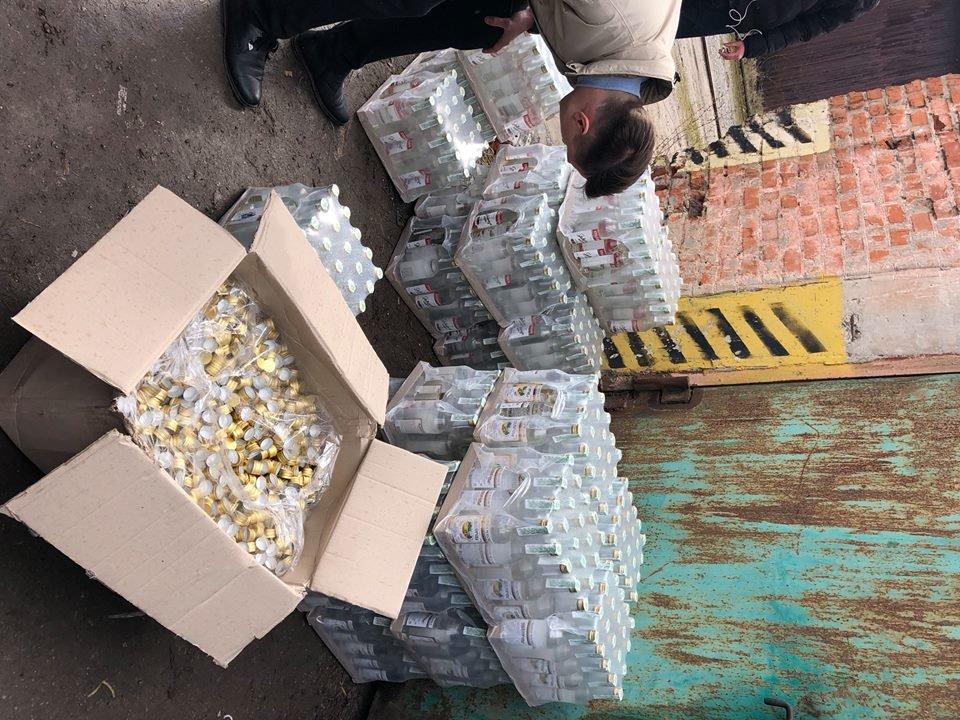 В Тернополі виявили кілька тисяч літрів підробленого алкоголю (фото), фото-3