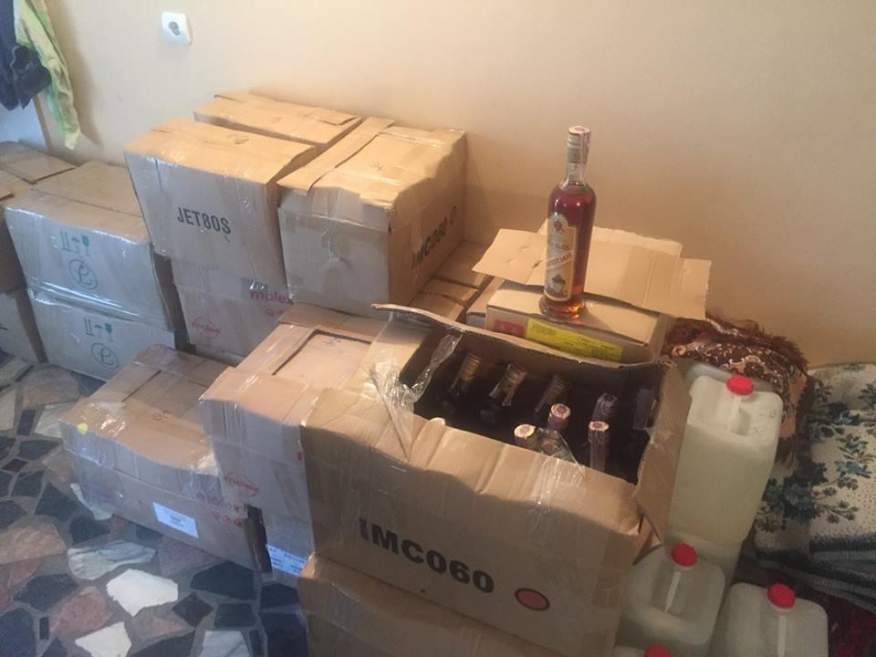 В Тернополі виявили кілька тисяч літрів підробленого алкоголю (фото), фото-1