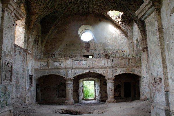 """Краса, яка зникає: на Тернопільщині """"вмирають"""" десятки покинутих костелів (фото), фото-7"""