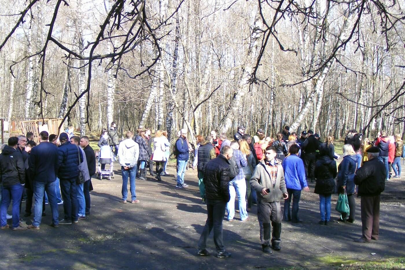 Активісти вкотре зупинили будівництво у парку Національного відродження (Фото), фото-1