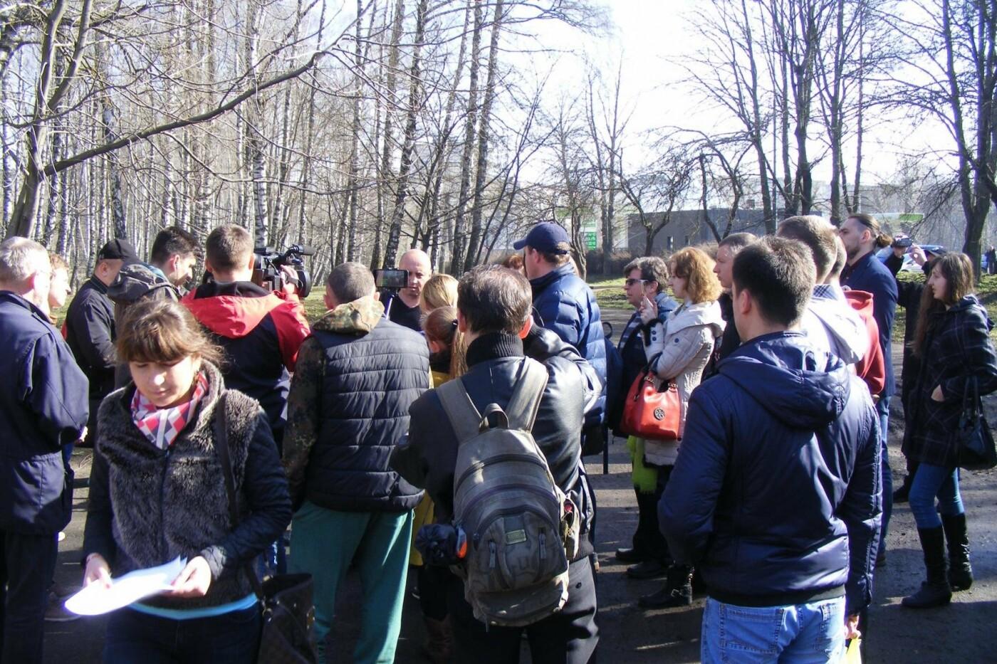 Активісти вкотре зупинили будівництво у парку Національного відродження (Фото), фото-2
