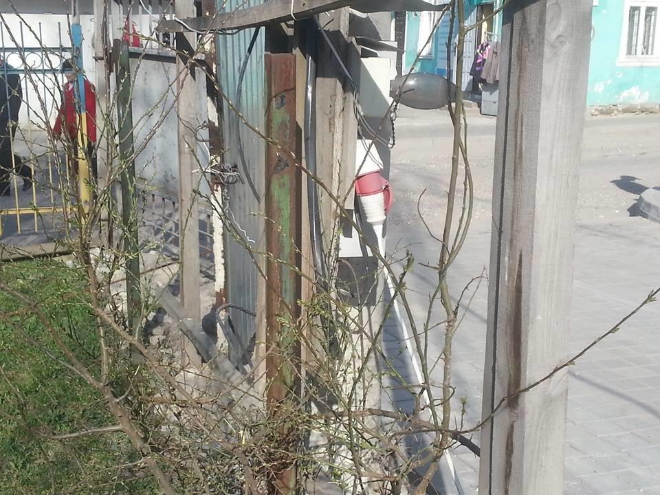 Біля тернопільської школи мистецтв без дозволів демонтують паркан (фоторепортаж), фото-2