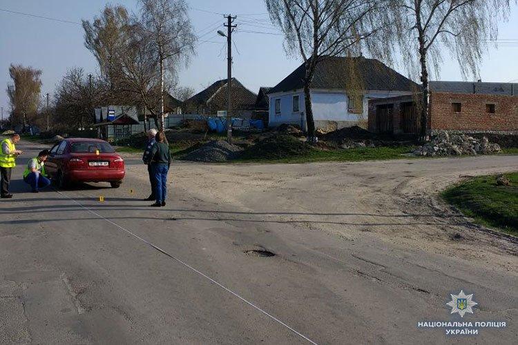 На Тернопільщині дитина на велосипеді потрапила під колеса автомобіля Daewoo Lanos (фото), фото-2