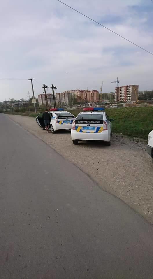 У Тернополі автомобіль ледь не вилетів із Гаївського мосту (фото), фото-1