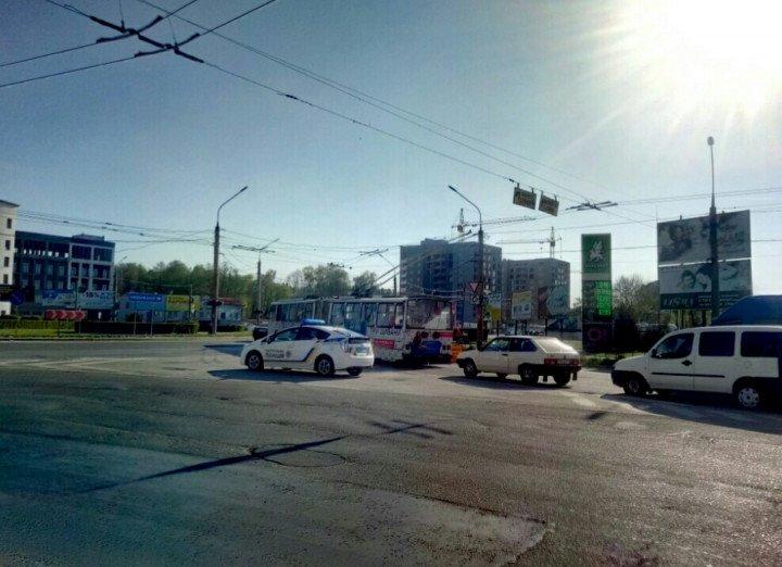 У Тернополі поблизу Збаразького кільця трапилася ДТП (фото), фото-1