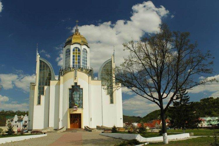 У серці одного з міст Тернопільщини височіє храм у вигляді тризуба (ФОТО), фото-2