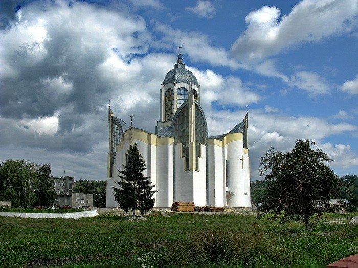 У серці одного з міст Тернопільщини височіє храм у вигляді тризуба (ФОТО), фото-3