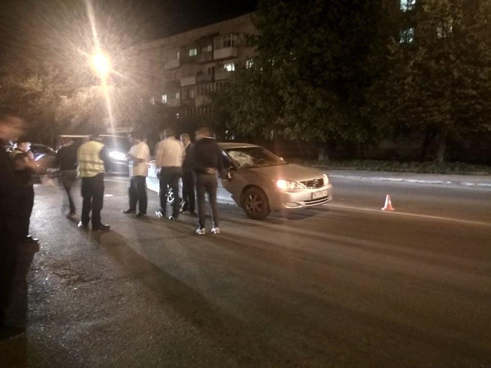 Неподалік Тернополя авто збило пішохода (фото), фото-1