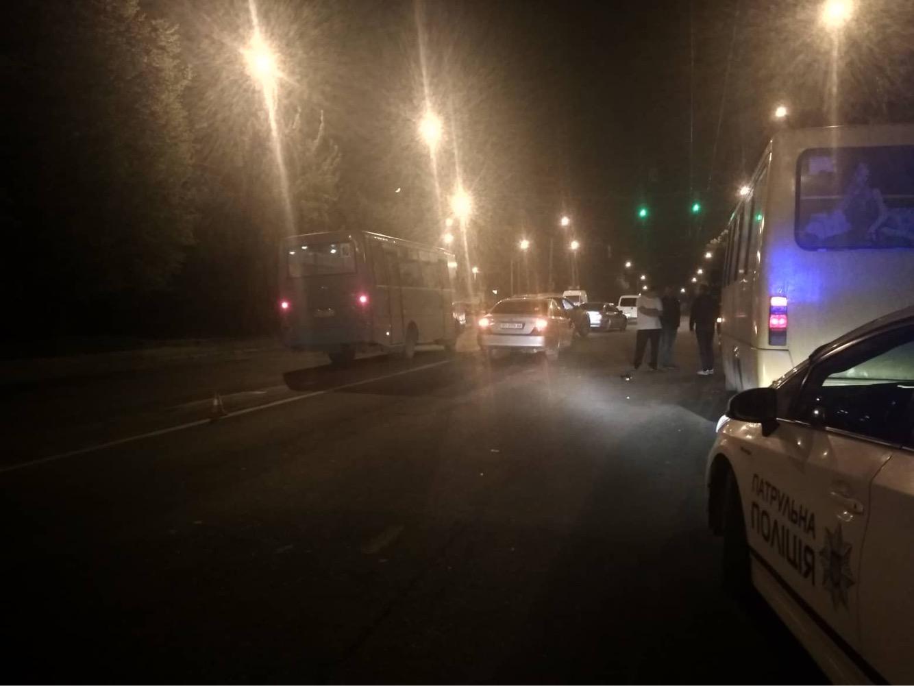 Неподалік Тернополя авто збило пішохода (фото), фото-3