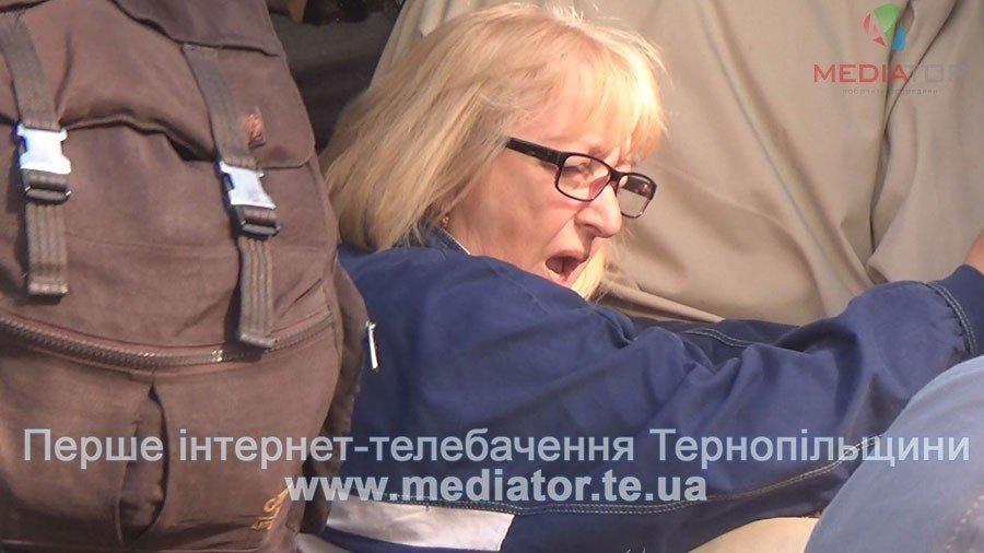 """""""Везуть, як худобу"""", – тернопільські пасажири не вміщаються у вагони потягів (ФОТО+ВІДЕО), фото-5"""