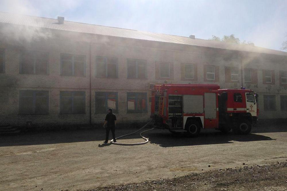 Неподалік Тернополя загорівся комбінат (ФОТО), фото-5