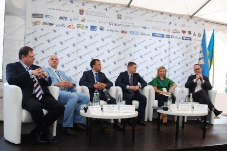 Степан Барна: Цьогорічний інвестфорум означатиме для Тернопільщини та її партнерів новий виток у розвитку міжнародного співробітництва (фот..., фото-1
