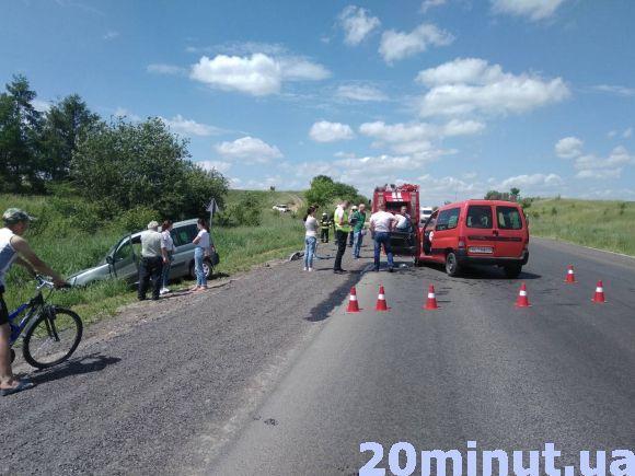 На Зелені свята в аварії на Тернопільщині покалічились шестеро осіб: серед них - двоє дітей (ФОТО), фото-2