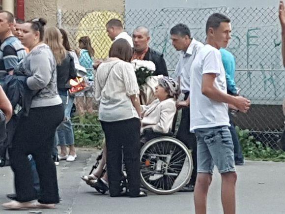 Олег Винник свій виступ у Тернополі почав зі згадок про загиблого бійця та свою померлу маму (фото), фото-4
