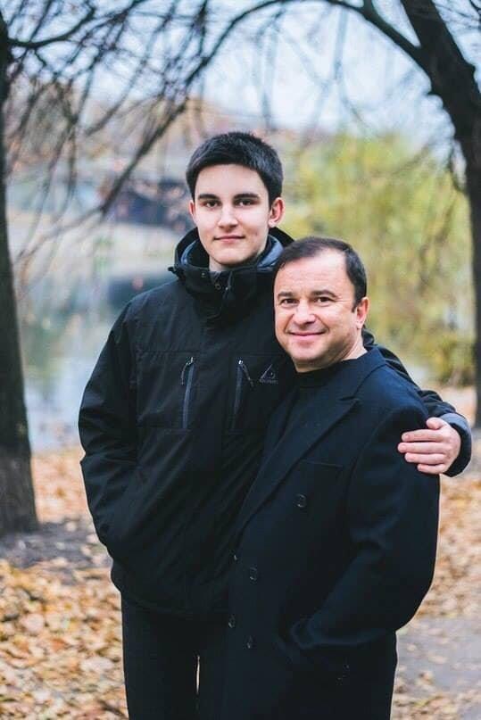 У сина тернопільського співака Віктора Павліка виявили рак хребців, батько просить у небайдужих допомоги (ФОТО), фото-1