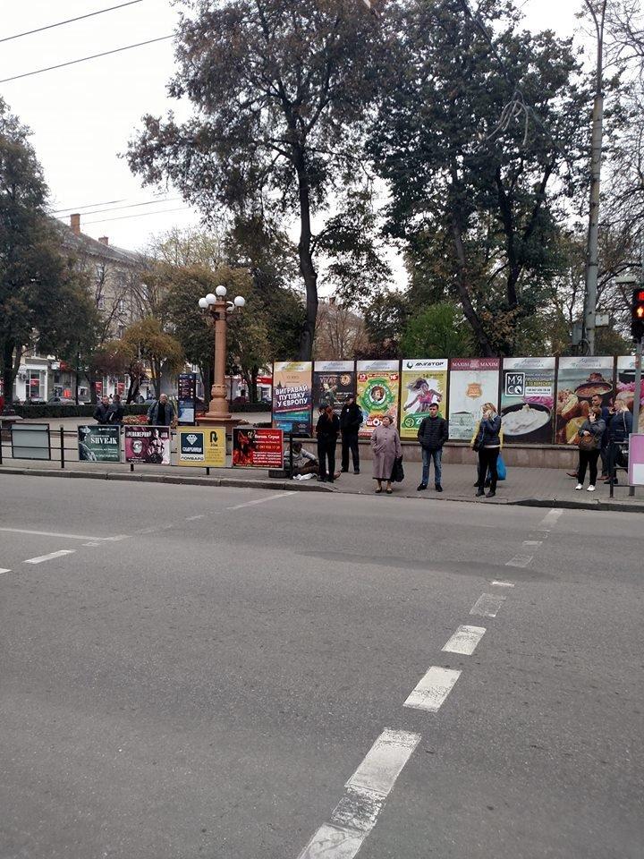 """В центрі Тернополя чоловік """"чудесним"""" чином зцілився, почав знову ходити (ФОТО), фото-1"""