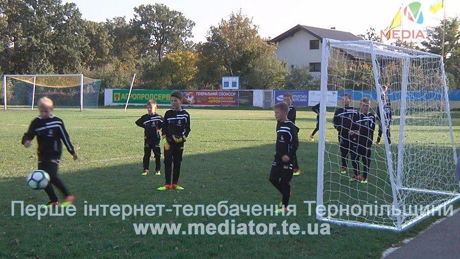 З рахунком 0:0 зіграли гравці команди «Реал Мадрид» в матчі проти тернопільських школярів (ФОТО, ВІДЕО), фото-3
