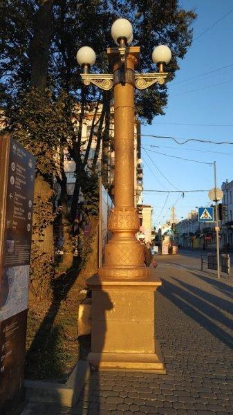 У Тернополі комунальники реставрують вуличні ліхтарі (фото), фото-1