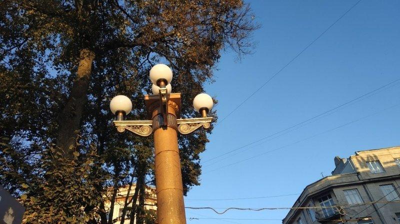 У Тернополі комунальники реставрують вуличні ліхтарі (фото), фото-3