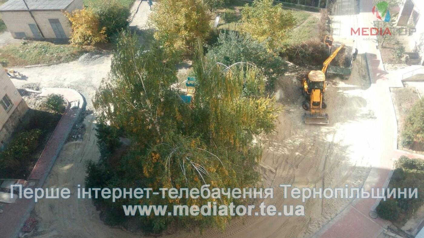 Через численні скарги в Тернополі нарешті відновили ремонт розритої ще влітку вулиці (фото), фото-4