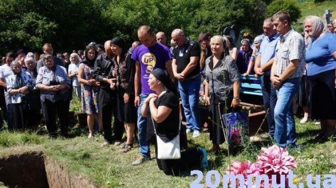 Усе починається спочатку: на Тернопільщині справу про вбивство Іринки Мукоїди тепер слухатимуть в Чорткові (ФОТО), фото-3