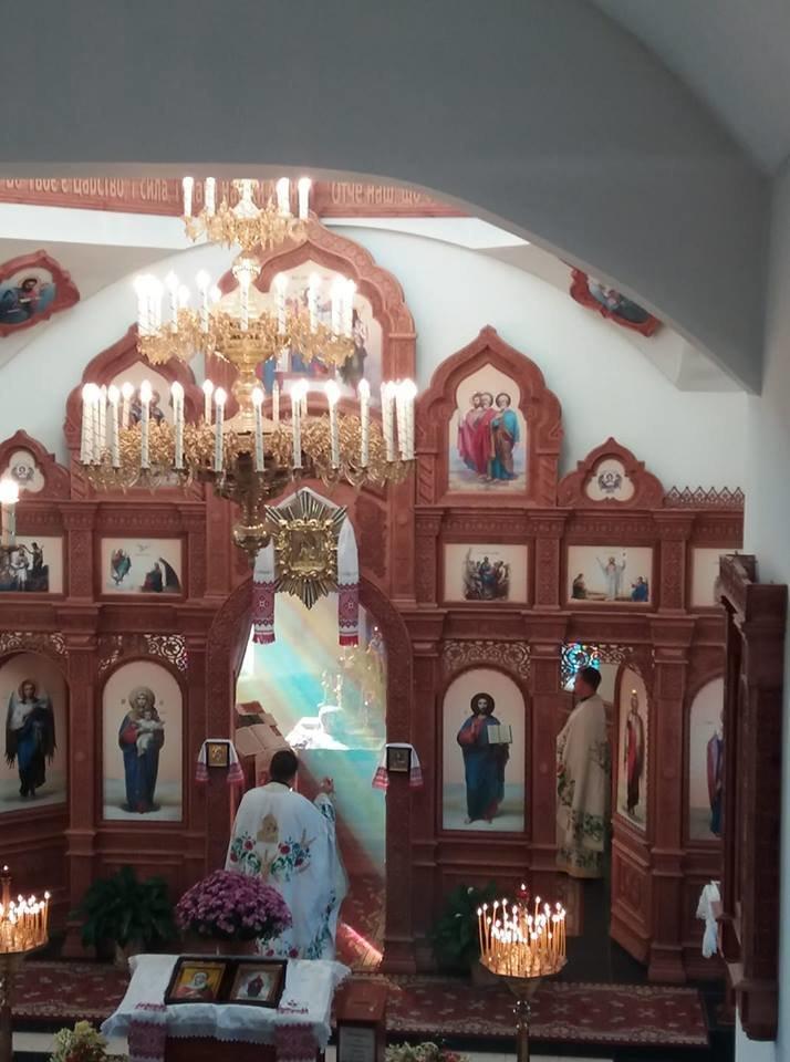 На Тернопільщині під час служби в кременецькому храмі з'явилася веселка (ФОТО), фото-1