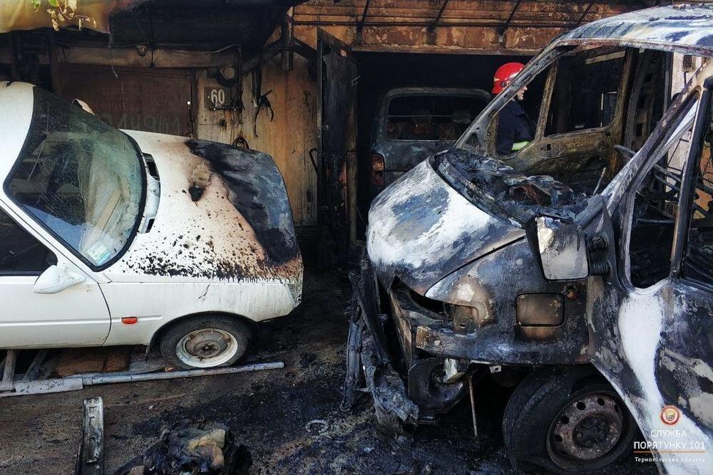 Під час пожежі в гаражному кооперативі МНСники рятували автомобілі від вогню (фото), фото-3