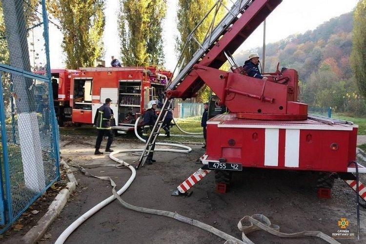 На Тернопільщині горів гуртожиток, евакуювали 70 людей (ФОТО), фото-3