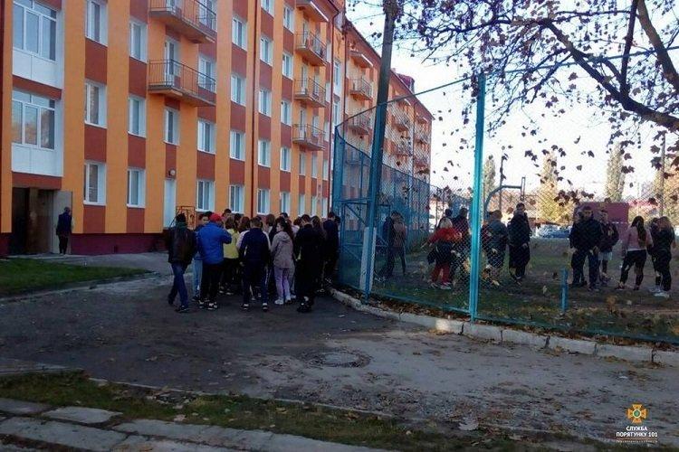 На Тернопільщині горів гуртожиток, евакуювали 70 людей (ФОТО), фото-4
