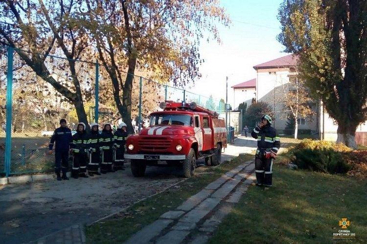 На Тернопільщині горів гуртожиток, евакуювали 70 людей (ФОТО), фото-5