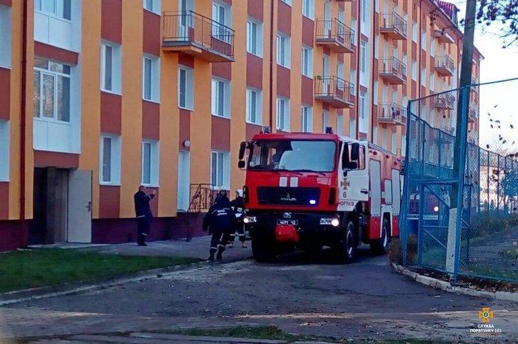 На Тернопільщині горів гуртожиток, евакуювали 70 людей (ФОТО), фото-6