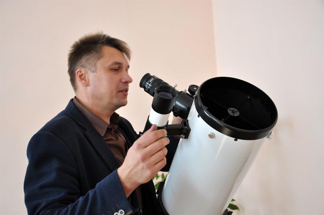 Чиновник на Тернопільщині робить фото Місяця, на яких видно кожен кратер (ФОТО), фото-2