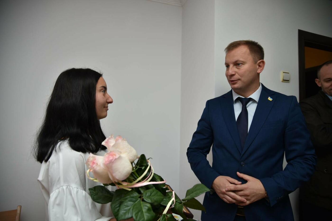 На Тернопільщині за сприяння держави ще одна дитина-сирота отримала житло (фото), фото-2